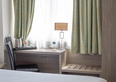 bw-thermes-chambres-bureau-cosy