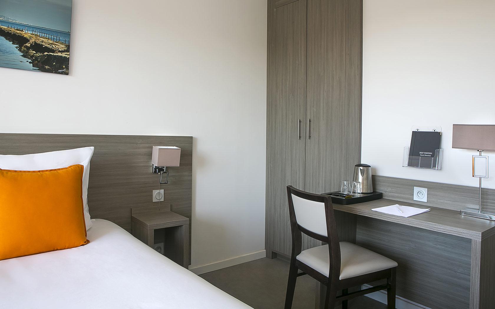 hotel-des-thermes-chambre-séjour-france