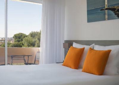 hotel-des-thermes-chambre-supérieure-lit